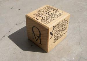 Convite de casamento em formato de cubo