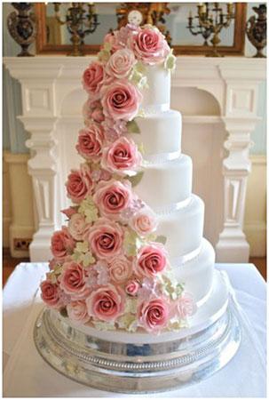 bolo-de-casamento-cascata-de-flores