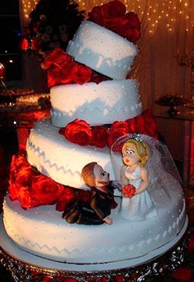 bolo-de-casamento-torre-inclinada