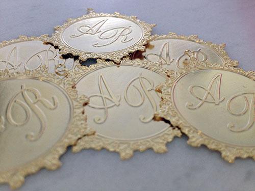 lembrancinha-casamento-padrinhos-medalhas-personalizadas